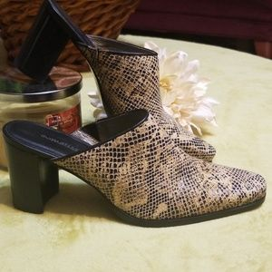 Matisse Leather SnakeSkin Mules, Size 6 1/2M